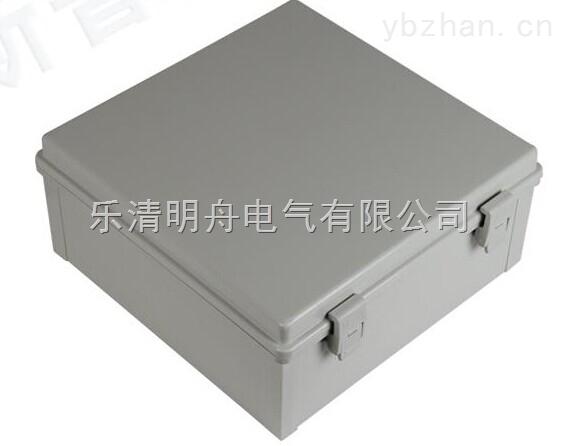 防水盒的材料 防水盒主要材料有:塑料(ABS/PC)、玻璃纤维、铁、不锈钢等 市场上流通的防水盒分为三大等级: 一、国际品牌防水盒,因为时间已经证明了质量,但价格比较贵; 二、国内高端防水盒,新秀企业为开创品牌,材料的选取都为进口新料,同时价格方面比较符合国内市场。 三、国内低端产品,应用与对防水等级及质量无需求的工程,材料一般为2次料或3次料,优点价格低廉。 塑料防水盒——透明材料: 透明塑料防水盒的材料主要为PC,聚碳酸酯(Polycarbonate)缩写为PC是一种无色透明的