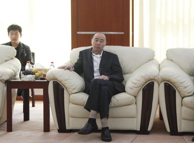 丹东市副市长杨耀威莅临东方测控视察指导图片
